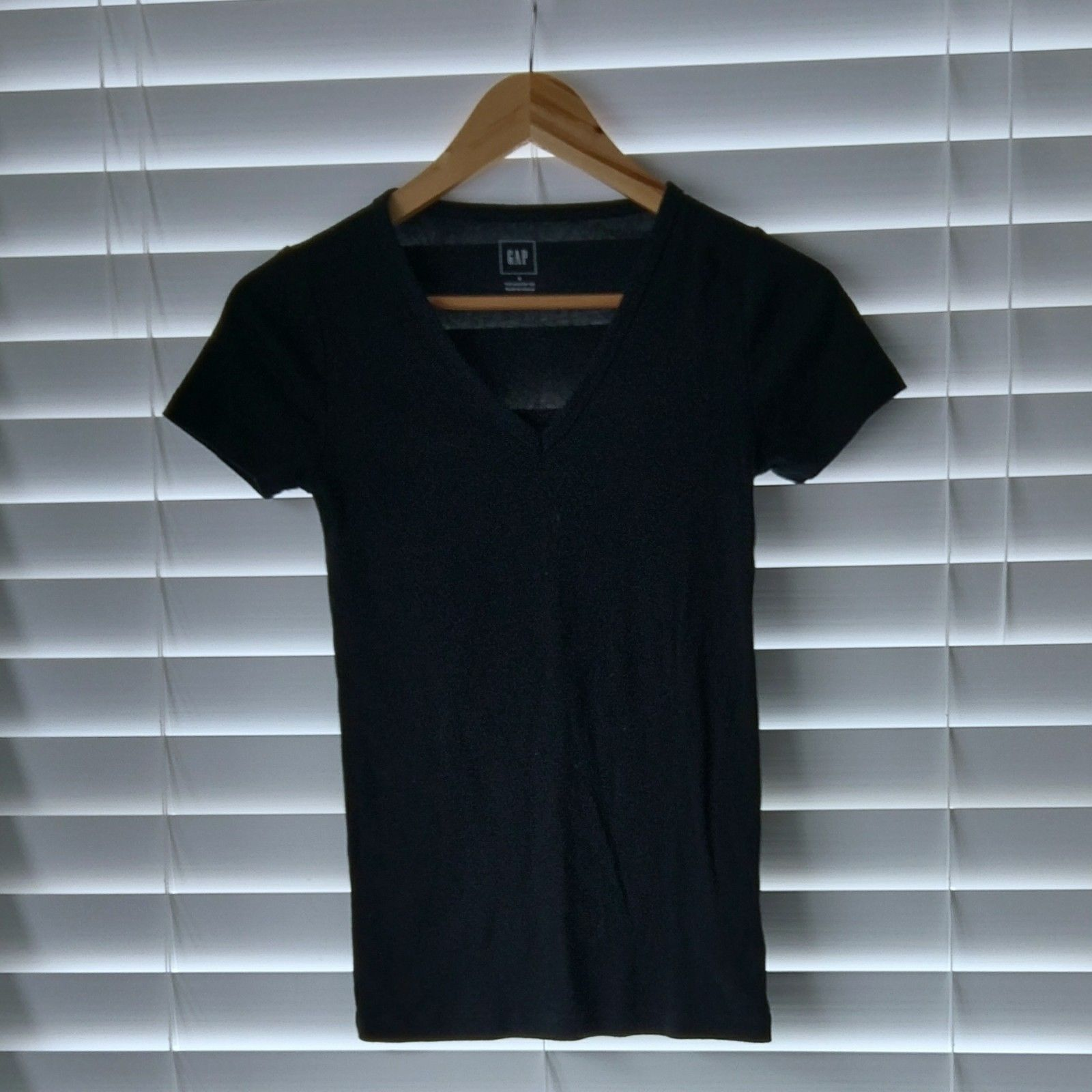 Women  Gap Womens The Modern V-Neck Tee True Black Euc -3336