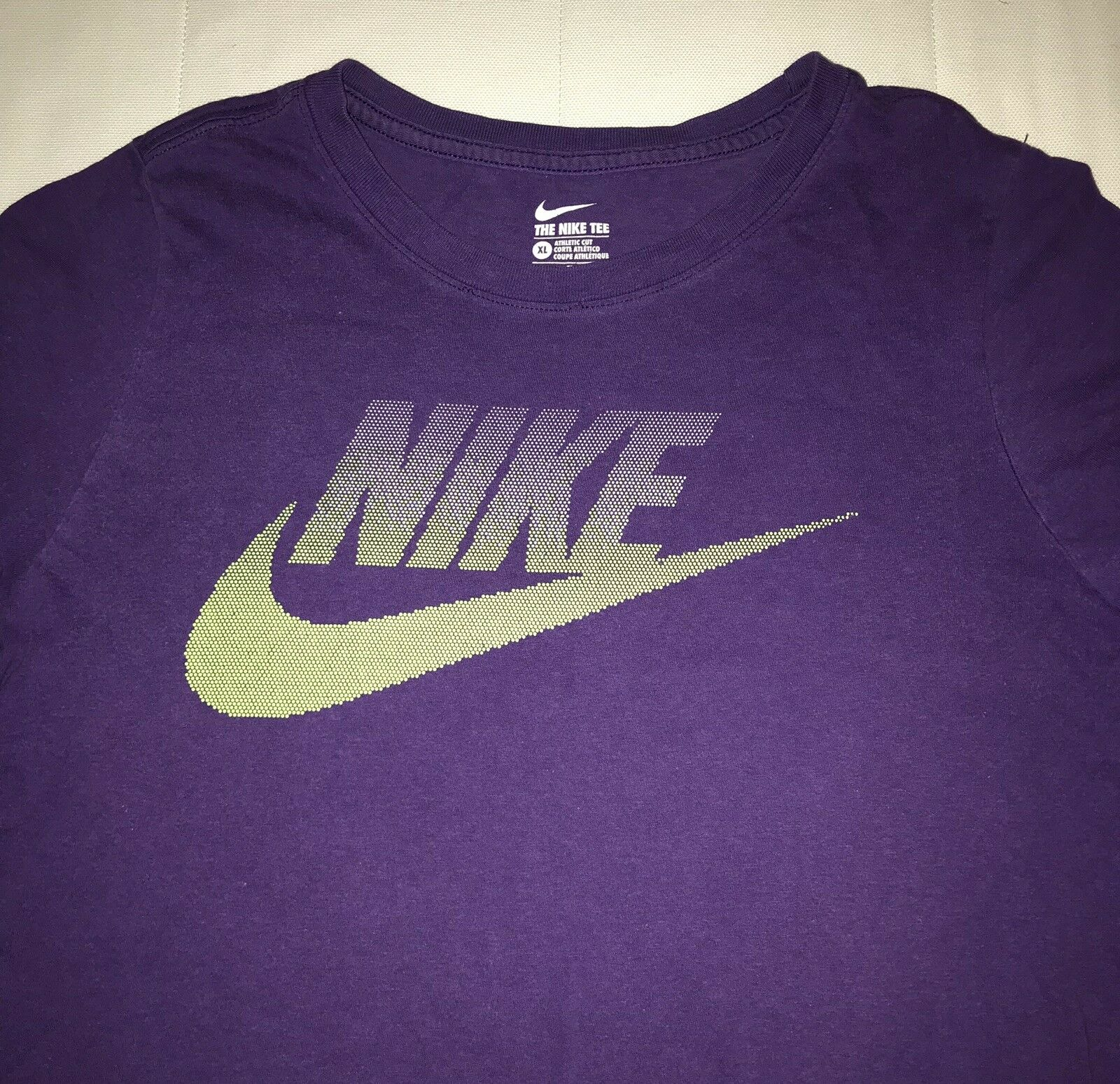 be09225d #Kids – Nike Athletic T Shirt Kids Size XL (Can Also Fit Adult Size S)  Preowned