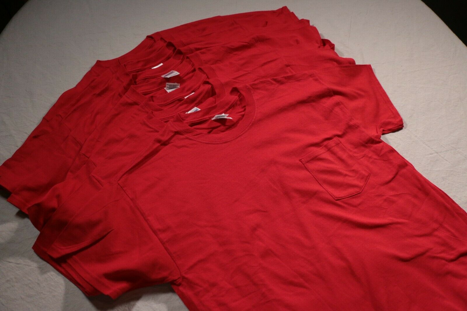 Men – Lot of 8 Red Gildan Pocket T-Shirts NOS Shirt L 100
